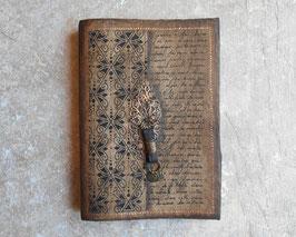 Carnet de voyage - Calligraphie, estampe, cuir et sequins