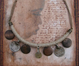 Collier nomade - Ficelle de lin et monnaies anciennes
