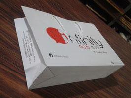 500 Sacolas de Papel Personalizada Tamanho 24L x 35A x 10P