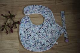 Bavoir Liberty Floral Picnic Taille L et son carré assorti. Possibilité attache-tétine (9 euros) à 7euros. Possibilité Taille S. Personnalisation 4,50 euros.