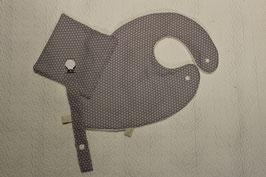 Kit naissance comprenant un bavoir foulard avec son carré assorti et une attache-tétine assortie tissu Oeko-Tex  étoiles blanches sur fond gris clair Oeko-Tex