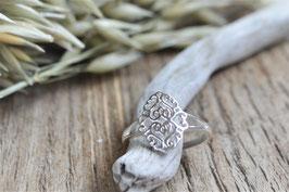 Fingerring ovalem Ornament  silber art nr. FR 69