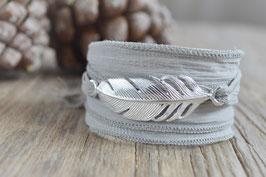 SALE Seidenarmband mit Feder Art. Nr. S 3