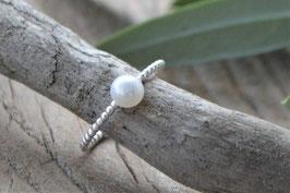 Silberfingering  fein gehdret Perle weiss art nr. Fr 107