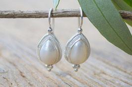Ohrenhänger Tropfen mit Perlen untern 3 Chügeli Art, nr, OS 173
