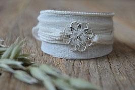 Seidenarmband mit Blume durchbrochen Art. Nr. A 362