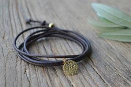 Gold Leder fünffach mit Blumenanhänger Art. nr. GA 10