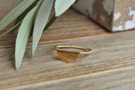 Gold Fingerring mit halbmond gedreth art nr. Fr41