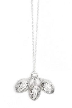 Drei Haselnüsse Kette N°1 - Silber by LeChatVIVI BERLIN