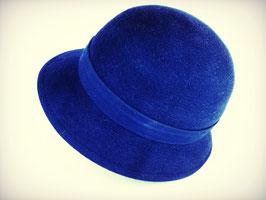 Hut und Robe . Cloche aus 100% Haar. Blau.