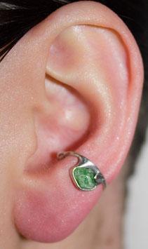 Kleiner Ohrring mit Chromdiopsid (Rohstein), 123S