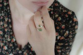 Fingerring aus Silber mit poliertem Peridot und Peridot als Rohstein 520S