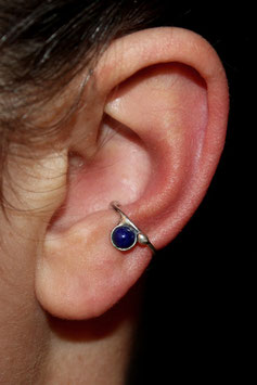 Kleiner Ohrring mit Lapis Lazuli, 109S