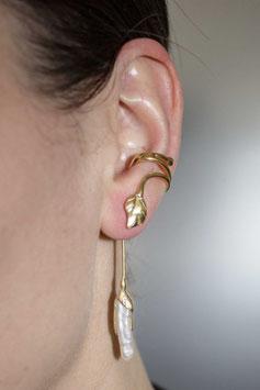 Ohrring mit Anhänger ohne Ohrloch Silber vergoldet mit Blattmotiv und Biwa-Perle, 601G