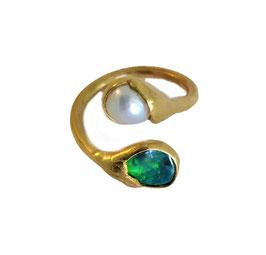 Fingerring aus Silber 935 (vergoldet) mit Boulder-Opal & Süßwasserperle