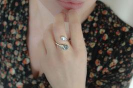 Fingerring - Diamant als Rohstein und Süßwasserperle, Silber 530S