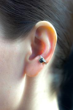 Klein Ohrring mit Onyx (mattiert), 124S