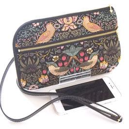いちご泥棒柄で作ったお財布ショルダーバッグ・黒(ウィリアムモリスデザインのmodaファブリック使用)