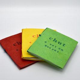 """carnet à mots de passe """"chut c'est un secret"""" 40 pages"""