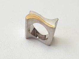 Breiter Wellenring aus 925er Silber mit Feingold