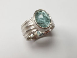 Ring aus 925er Silber mit grünem Turmalin