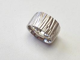 Breiter Ring aus 925er Silber mit Holzstruktur