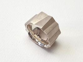 Graphischer Ring aus 925er Silber