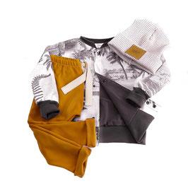 "Outfit, ""Weltklasse ""  gr. 110/116"
