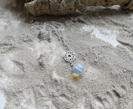 Versilberte Mandalakette mit Opalit