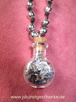 Gläschen gefüllt mit getrockneten Lavendelblüten mit Perlen & Band (zum zuknoten)