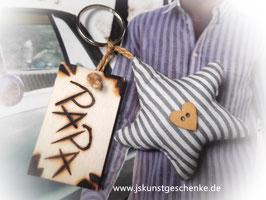 Schlüsselanhänger (oder Taschenanhänger/ Auto-Rückspiegeldeko) PAPA