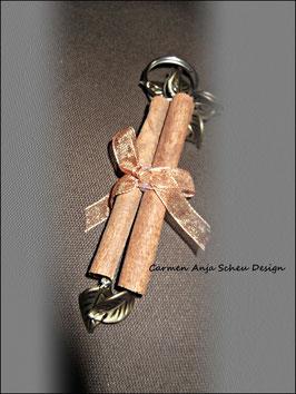 """Schlüssel-oder Taschenanhänger """"Zimtstange"""""""