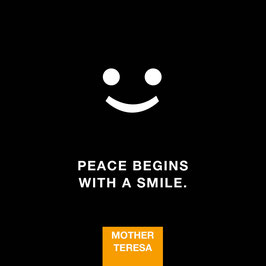 Peace begins with a Smile | Postkarte