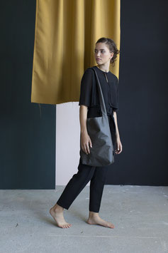 Feel Good Bag | Off Black (like very dark olive...)
