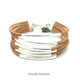 Bracelet FALCO en cuir naturel, ses tubes argentés et sa perle de couleur turquoise...