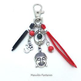 Bijou de sac ou porte-clés BOUDDHA dans les tons gris, corail et argentés...
