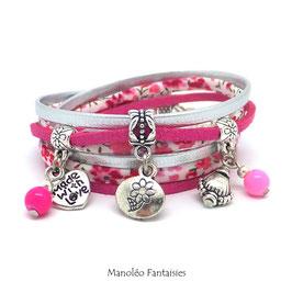 Bracelet LIBERTY double tour, fleur, ses perles et pampilles, dans les tons argentés, fuchsias et argenté...
