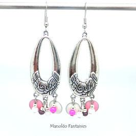 Boucles d'oreilles ADELIE dans les tons roses, blancs et argentés...