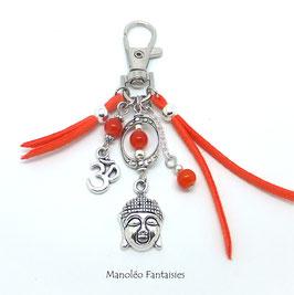 Bijou de sac ou porte-clés BOUDDHA dans les tons oranges et argentés...