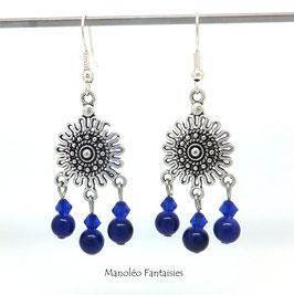Boucles d'oreilles NOURIA et ses perles dans les tons de bleu...