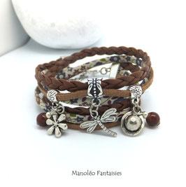 Bracelet LIBERTY double tour, ses perles et pampilles, dans les tons marrons et argenté...