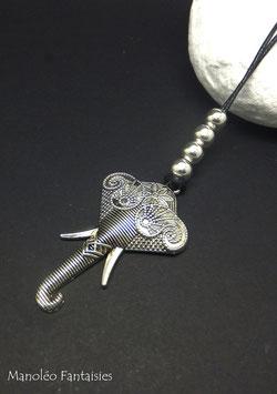 Sautoir GANESH et ses perles sur son cordon noir...