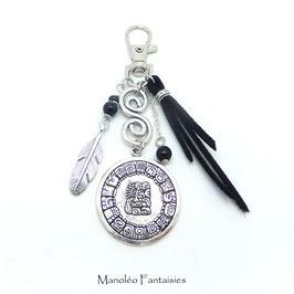 Bijou de sac ou porte-clés MAYA, plume noir et argent