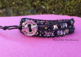 """Bracelet """"LUMI"""" double tour et ses perles en cristal de Swarovski gris argenté et noir..."""