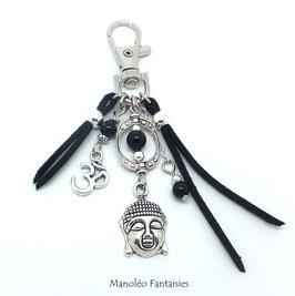 Bijou de sac ou porte-clés BOUDDHA dans les tons noirs et argentés...