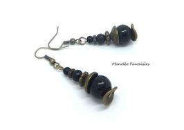 Boucles d'oreilles MALAIKA de couleur bronze et leur perles noires...