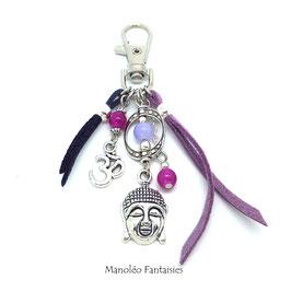 Bijou de sac ou porte-clés BOUDDHA dans les tons violets et argentés