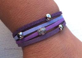 Bracelet 4 liens perles éparpillées dans les tons de violet...
