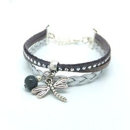 Bracelet manchette libellule dans les tons gris et argentés..