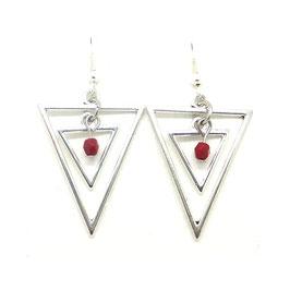 ISIS rouge - Boucles d'oreilles triangles argentés, perle rouge